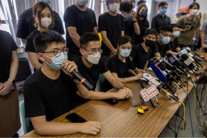 홍콩 압박 계속…조슈아 웡 등 24명 기소