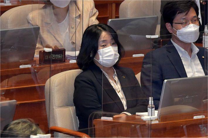 시민단체, 국세청에 '윤미향 부부 탈세 의혹' 진정서 접수