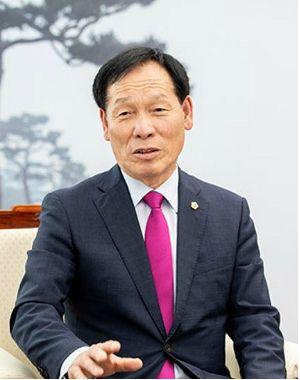 """김종인 찾은 고우현 경북도의장, """"지방자치법 개정안 처리해달라"""""""