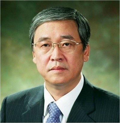 '프로야구 수장이 피의자?' 차기 총재 후보, 각종 의혹