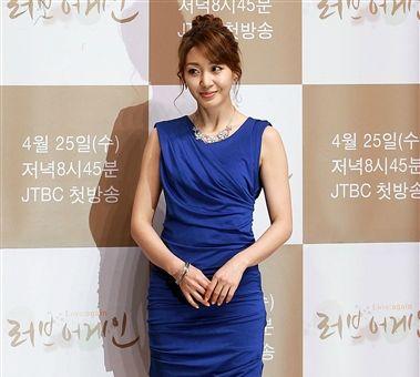 배우 이아현 세 번째 이혼