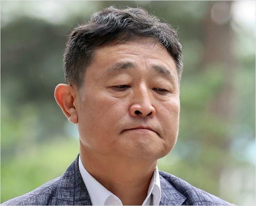 '386 운동권' 대부 허인회, 납품청탁 의혹 첫 재판서 혐의 부인