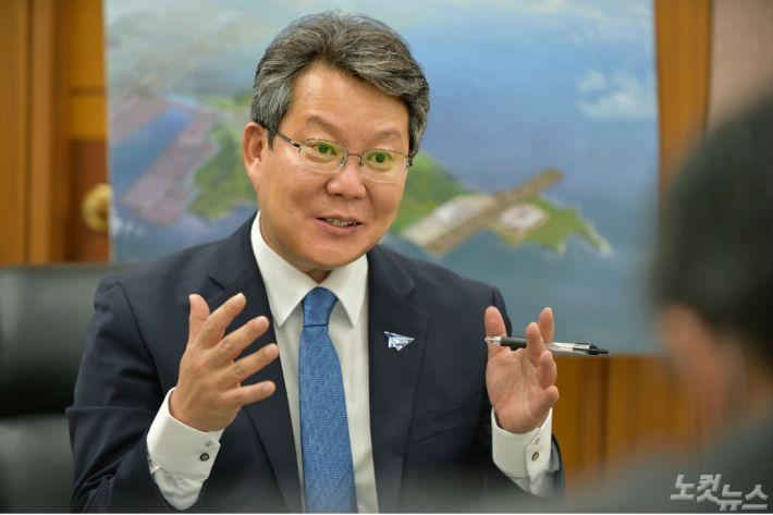 """변성완 권한대행 """"가덕신공항, 패트로 2029년 개항해야"""""""