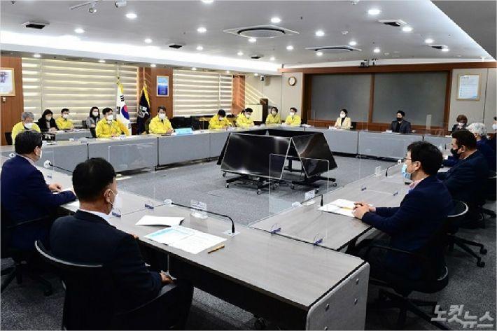 """""""부산도 엄중한 상황"""" 부산시, 관계기관과 긴급회의 개최"""