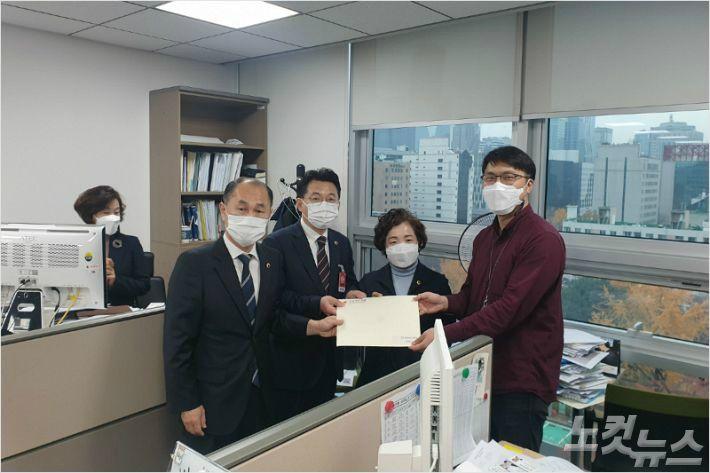 '시멘트세' 충북도-국회의원 엇박자...입법 새국면