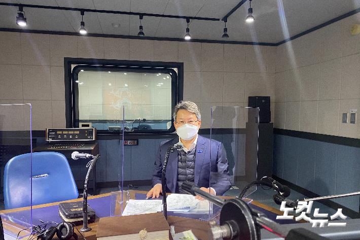 """변성완, 시장 출마 """"부산 발전 위해 진지하게 고민"""""""