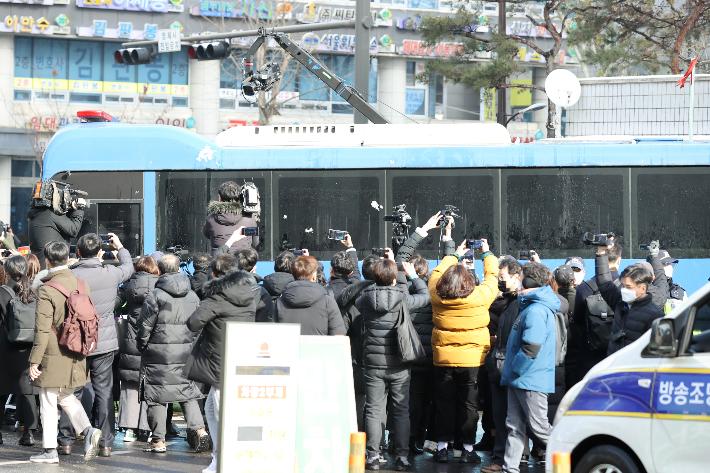 """검찰, 정인양 양모에게 '살인죄' 적용…""""복부 수차례 때렸다"""""""