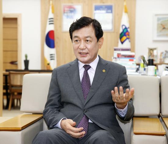 """김병우 충북교육감 """"중대재해법 학교 현장 특수성 고려되지 않아"""""""