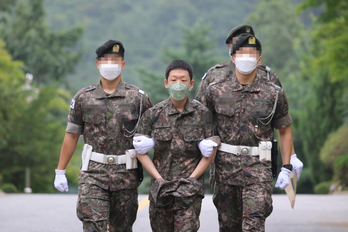 박사방 공범 '이기야' 이원호 일병, 1심서 징역 12년형