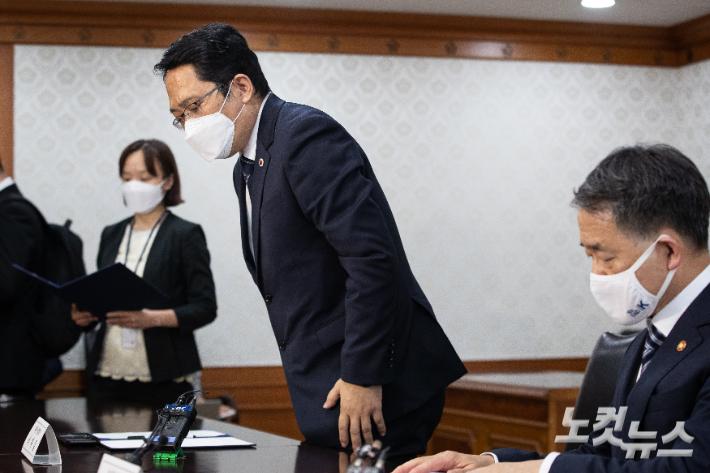 [이슈시개]'중범죄 의사 면허 취소' 놓고 갈등 격화