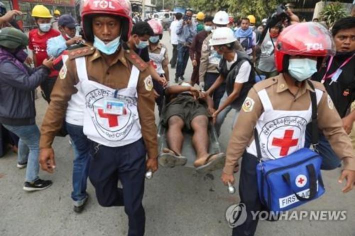 """[뉴스업]""""미얀마 군부, 죄수 3만명 풀어 방화·강도 배후조종"""""""