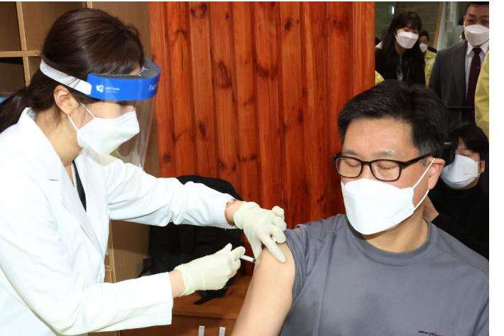 포항·경주도 '일상 복귀 첫 걸음'…백신 접종 속도 낸다
