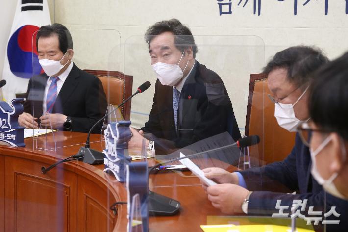 """민주당 """"소상공인에 재난지원금 최대 650만원"""""""