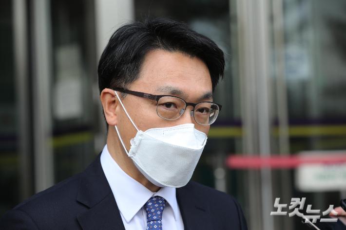 """공수처 """"'김학의 사건' 수사만 이첩한 것…공소 여부는 우리가"""""""