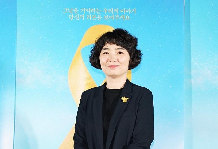[EN:터뷰]세월호 다큐 감독이 아이유·BTS에 고맙다 한 사연