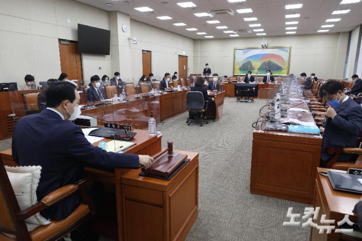 '이해충돌방지법' 4월 통과 청신호…공직자 등 190만 명 가닥