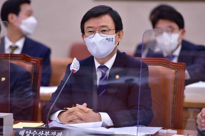 """해수부 장관 """"日오염수, 정부 손놓고 있었다? 사실 아냐"""""""