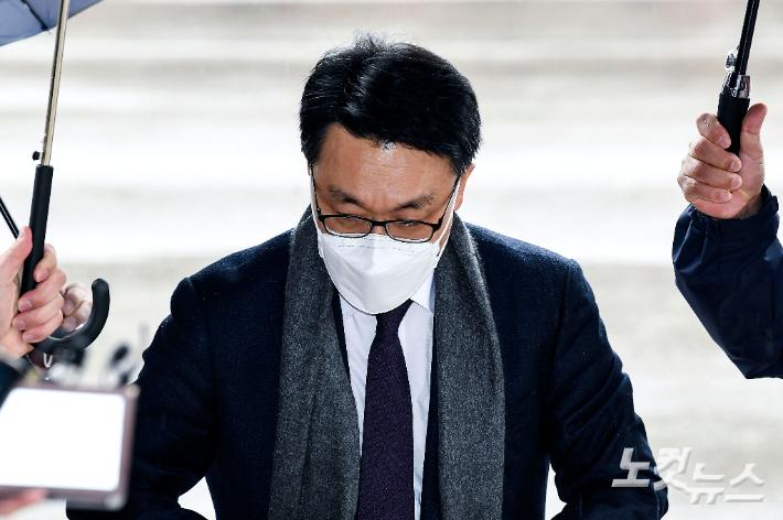 공수처가 틀어쥔 '이규원 사건'에…檢 '이광철 수사'도 차질