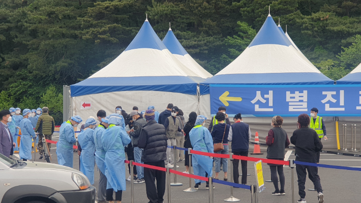 '외국인 집단감염' 강릉…직업소개소 방역실태 현장점검