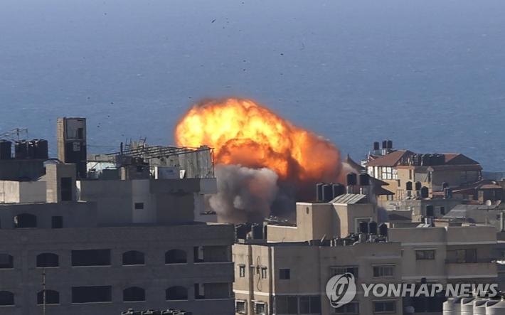 이스라엘軍, 팔레스타인 내 AP·알자지라 공습·파괴