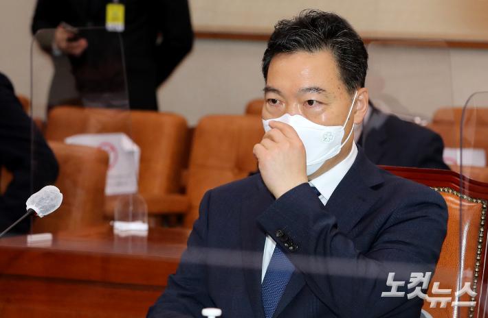 文대통령, 김오수 인사청문보고서 31일까지 재송부 요청