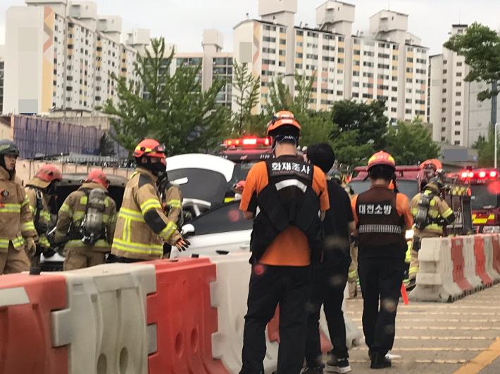 대전서 차량 화재…일대 2개 차로 한때 정체