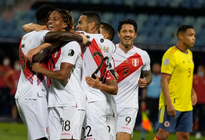페루, 강호 콜롬비아에 2 대 1 승리…대회 첫 승 신고