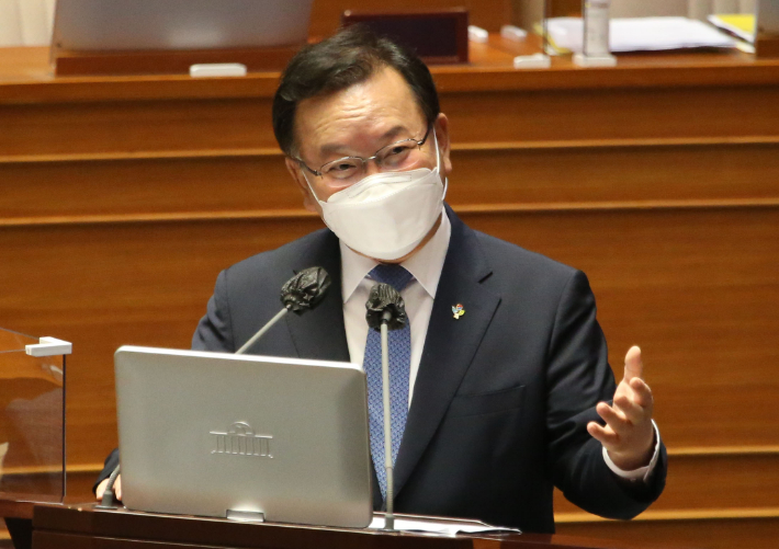 """[노컷브이]윤석열·최재형 대권 행보에 김부겸 """"정치중립 안타깝다"""""""
