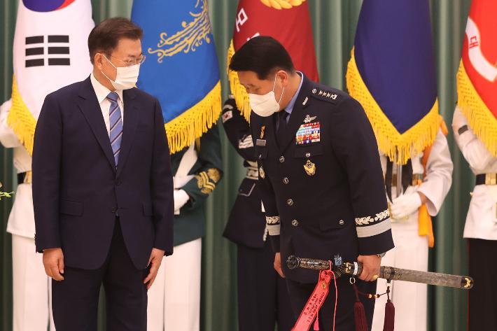 """""""우리 공군, 'G7' 쓸수있다"""" 박인호 총장 文대통령에 에어쇼 언급"""