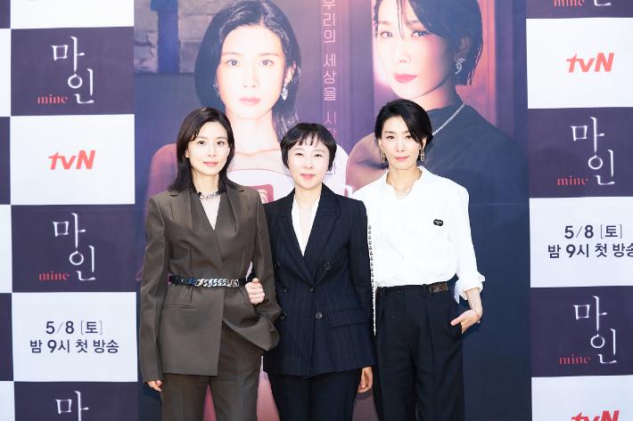 [EN:터뷰]이나정 PD가 밝힌 '마인' 여성 연대 성공기
