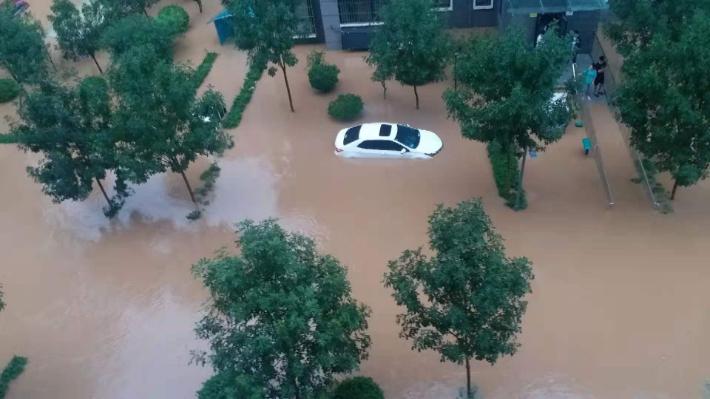 폭우가 중국을 강타한 가운데 허난(河南)성 신샹(新鄕)시에도 지난 21일부터 폭우가 쏟아져 한국인 여성이 고립된 것으로 확인됐다. 사진은 선옥경 허난사범대 국제정치학과 교수가 고립된 허난성 샨싱 아파트 모습. 연합뉴스