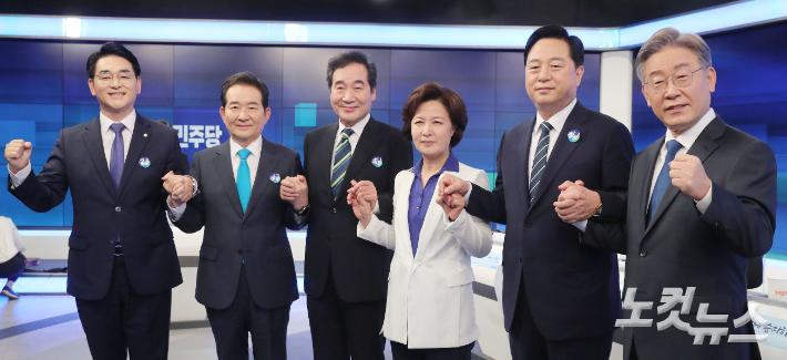 """이재명 """"성과 뭐냐"""" vs 이낙연 """"국회 무시""""…감정싸움 대신 약점 공략"""