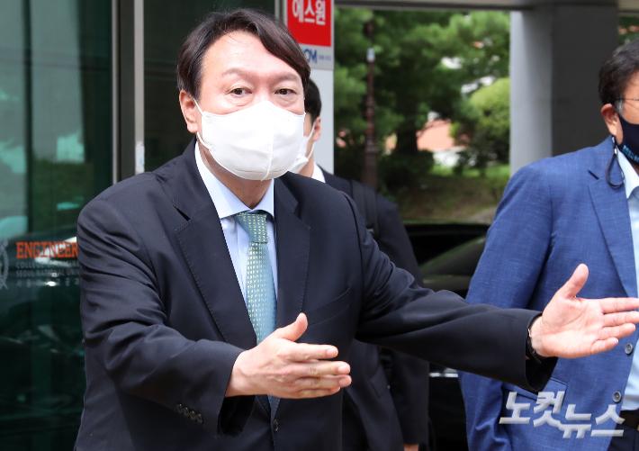 윤석열 '계파 정치' 때린 최재형의 한 수…尹캠프 격앙