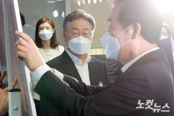 민주당 2차 토론회, 李-李 격돌 2라운드…캠프 대리전 지속