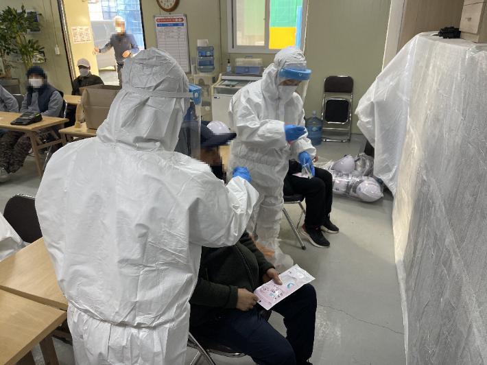 청주 외국인 유학생 백신접종 기피, 일용직 확진자 급증