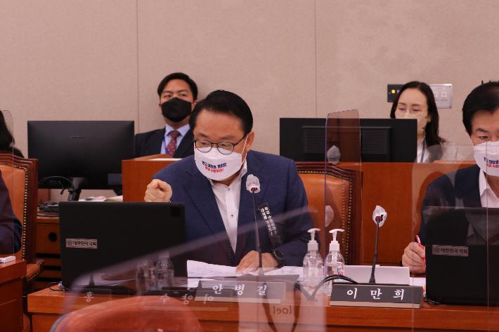 """""""문성혁 해수부장관 트램사업 유권해석 오류 인정"""""""